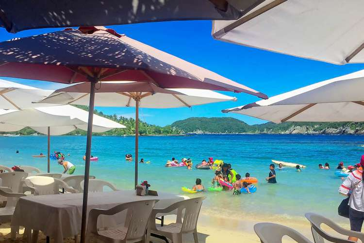 Zihuatanejo Snorkeling & Kayaking | Gatas Beach | Pacific Tours Ixtapa. Enjoy a day on the beach snorkeling, kayaking and swimming at Las Gatas Beach the best beach in Ixtapa Zihuatanejo Mexico to swim and snorkel on its calm and crystailne waters. Tours in Ixtapa Zihuatanejo Mexico